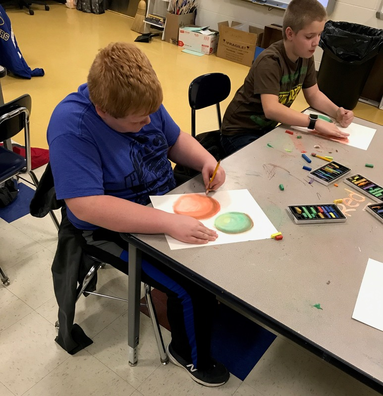 Elementary Students Prepare for Christmas through Art